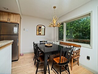 Pet Friendly Two Bedroom Vacation Condo in Waterville Valley NH!