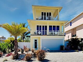 Sand Dollar | Luxe Living, Old Florida Charm | Pool, Hot Tub | Steps to Beach