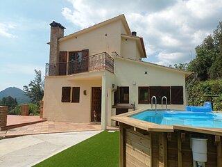 Casa preciosa con vistas espectaculares , montaña, relax y familia