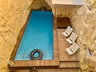 Town House with Private Pool in Village Centre