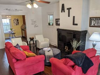 NEW LISTING 30% off for LIMITED TIME! CUTE/ GR8 LOCATION/ GR8 WORKSTAYS, 2BR, 2T