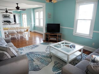Cozy Magnolia 2 BR Apartment - Just 3 Blocks from the Boardwalk and Beach!