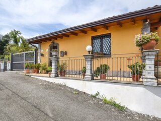 Stunning home in Piedimonte Etneo with WiFi, Outdoor swimming pool and 2 Bedroom