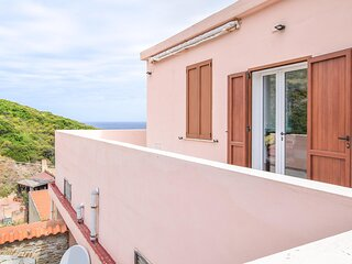 Awesome home in Argentiera with WiFi and 3 Bedrooms (IGG231)