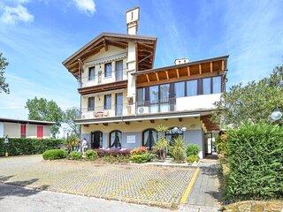 Amazing apartment in Albarella with  (IVK632)