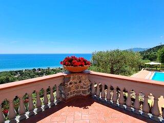 Fabulous modern Italian beach villa, Luxury Cilento coast villa with pool