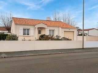 Nice home in Saint-Hilaire-de-Riez with 3 Bedrooms (FVE274)