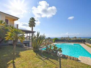 Awesome home in Scicli with Outdoor swimming pool, WiFi and 4 Bedrooms (ISR380)