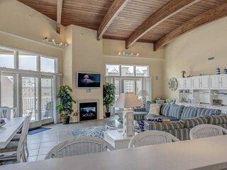 NEW LISTING Luxurious 4BR 5BA condo huge balcony wonderful views gourmet kitchen