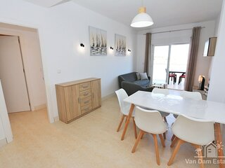 VDE-004 Apartment with spacious balcony and pool close to beach in San Javier