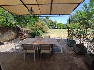 Grand studio à la campagne avec piscine privative