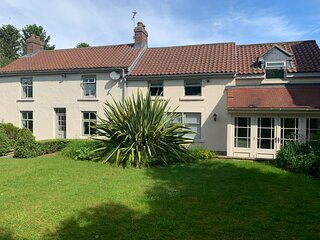 Luxury Country Home in Wombleton