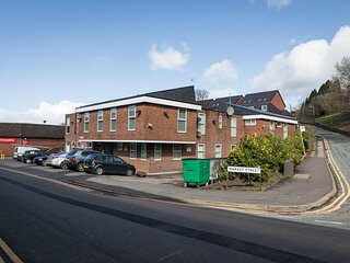 Wade Court - 2 Bed apartment