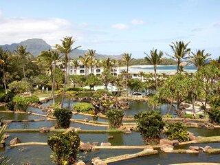 Tropical Getaway! Comfy Garden View Unit, Pool