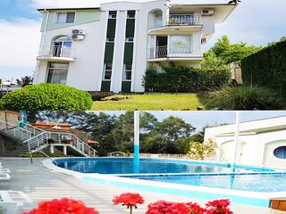 Swimming pool villa close to beach !