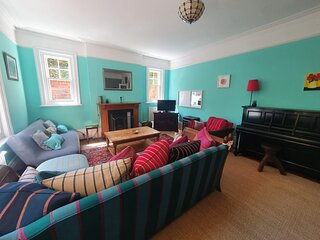 Silverdale Starlight, fabulous and spacious apartment with garden