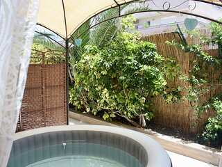** NEW for SUMMER 2021 - YOUR very own PRIVATE HOT TUB / Jacuzzi **