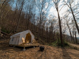Tentrr State Park Site - WV Hawk's Nest State Park - Site L - Single Camp