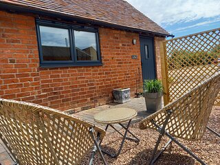 Modern barn conversion, perfect for two, close to Kenilworth, Warwickshire