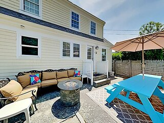 Hyannis Port | Fully Fenced Corner Home with Patio | Walk to Beaches!