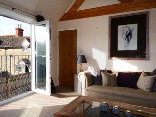 Sansoms Loft Cotswolds Home near Oxford