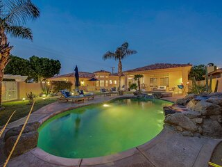 Sunny Villa: #217504 3 BR Pool, Spa, Ping Pong, Fire Pit!!!