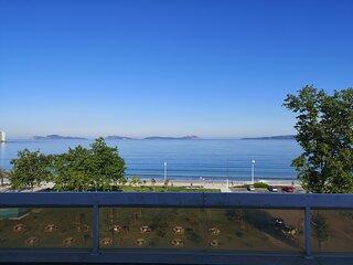 Apartamento en primera linea de playa Samil y con vistas frontales al mar