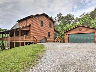 NEW! Beautiful Smoky Mountain Chalet w/ Game Room!