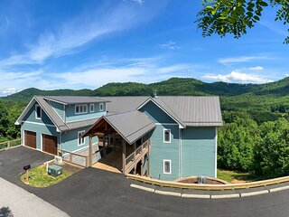 NEW! Mountain Refuge w/ View, 12 Mi to Asheville!