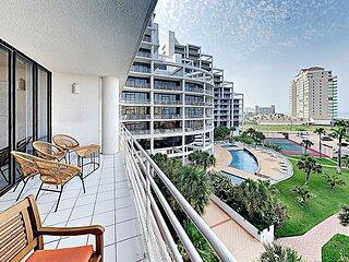 Modern Sunchase IV Condo w/ Heated Pool, Hot Tub, Ocean Views & Tennis