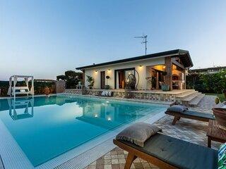 Ferrovia Villa Sleeps 2 with Pool Air Con and WiFi - 5892491