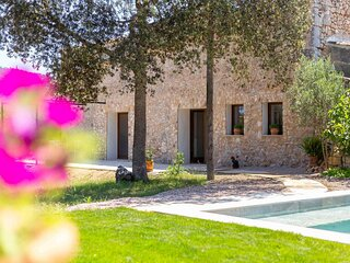 Rustic finca with pool and garden on the outskirts of Felanitx