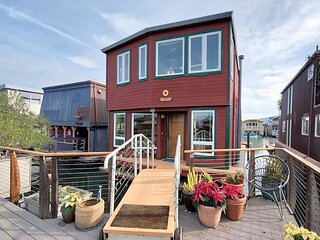 Floating Home in Sausalito! 3 Floors w/ 2BR & 3BA