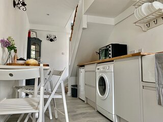 Lovely 1-Bed House in Hythe