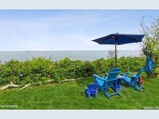 4 Bedroom Vintage Beach House, breathtaking panoramic views!