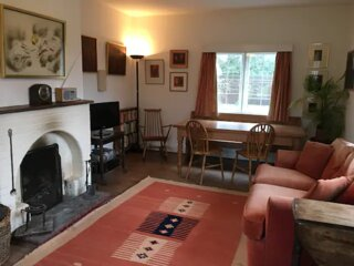 Unique, Cosy Cottage in a Semi Rural location. Large gardens & tennis, Sleeps 4!