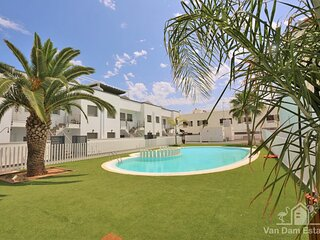 VDE-138 Apartment with park view close to beach, bars & restaurants in Torre