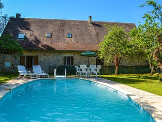 Awesome home in Saint Rabier with Outdoor swimming pool and 4 Bedrooms (FAD422)