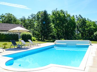Stunning home in Gindou with Outdoor swimming pool and 2 Bedrooms (FML041)