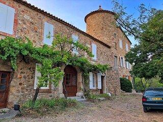 Saint-Andre-de-Roquelongue Villa Sleeps 13 with Pool and WiFi - 5890802