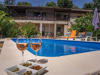 Cabrerolles Apartment Sleeps 8 with Pool and WiFi - 5890803