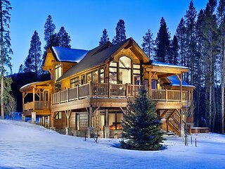 Cawha Outlook Chalet: Luxury Private Home Near slopes & Town, Private Hot Tub