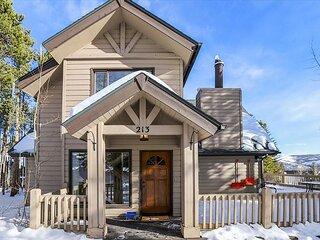 The Duck House: Charming  Cozy Private Ski In / Ski Out Home in Breckenridge