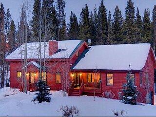Snowy River Retreat: Quiet and Peaceful Rustic Private Home in Breckenridge