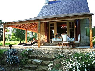 Privately located cabane de vigne in the Loire Valley