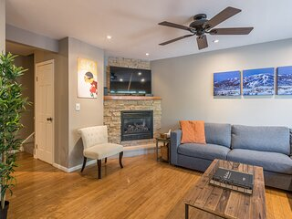 Relax in Steamboat at this Cozy Condo! Close to the Slopes! On Free Shuttle