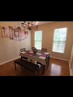 Cozy, Quiet Home by SugarLoaf Mills and Mall of Ga Closed/Not bookable
