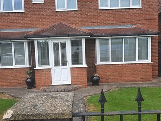 Impeccable 5-Bed House in Stockton-on-Tees