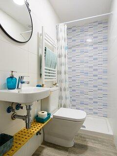 Cuarto de baño 2, completo  con ducha