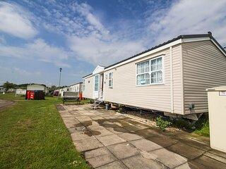 Brilliant 6 berth caravan for hire at Sunnydale Park in Skegness ref 350076S